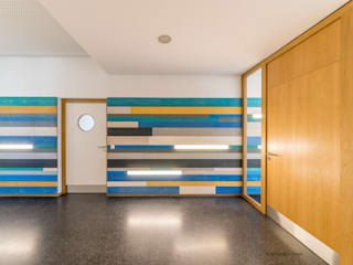 Zugang zur Mensa, Ganztagesschule Bräugasse:  Schulen von Knychalla + Team, Architekten, Stadtplaner GmbH