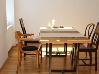 SFG - klassisch, modern, elegant und pfiffig- die Wohnung der Architektin oder wie man mit kleinem Budget eine Wohnung wunderschön gestaltet:  Wohnzimmer von uk-architektin