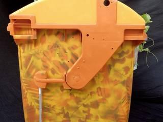 Ausrangierter Abfallbehälter mit neuen Design:   von Wandelwerte e.V.