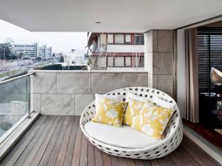 Apartamento Porto: Terraços  por Jorge Cassio Dantas Lda,Moderno