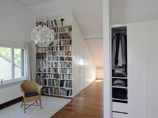 Dorfstrasse Zumikon Moderne Arbeitszimmer von Schneider Gmür Architekten Modern