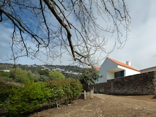 Caseiros House Country style house by SAMF Arquitectos Country