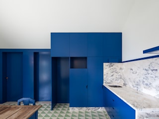 Caseiros House SAMF Arquitectos Кухня Синій