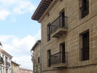 Hotel at a Baroque XVIII Century House Ignacio Quemada Arquitectos Rumah Klasik Batu