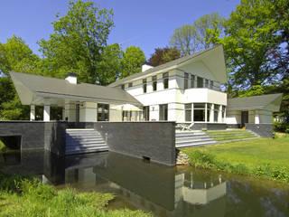 Luxe villa in Velp Moderne huizen van Van Hoogevest Architecten Modern