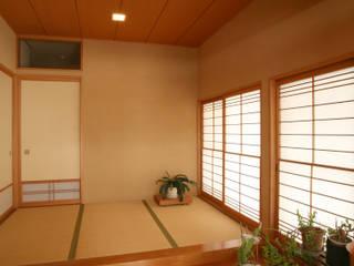 楽思居(らしい)の家 モダンスタイルの 玄関&廊下&階段 の 吉田設計+アトリエアジュール モダン