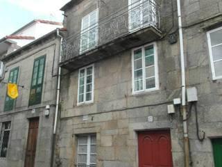 Estado original de la fachada principal: Casas de estilo  de DICOMPOSAR-EUGENIO TORREIRA ARQUITECTO