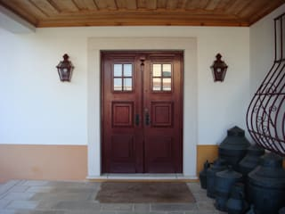 Country style windows & doors by Gabiurbe, Imobiliária e Arquitetura, Lda Country