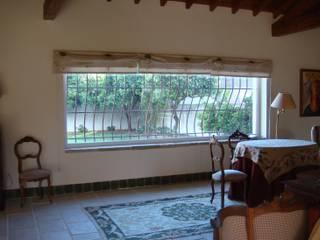 Ventanas de estilo  por Gabiurbe, Imobiliária e Arquitetura, Lda, Rural