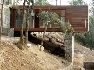 Casas de estilo moderno por EMA Espacio Multicultural de Arquitectura