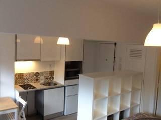 Recuperação de Estúdio: Cozinhas modernas por Gabiurbe, Imobiliária e Arquitetura, Lda