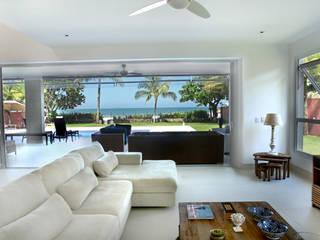 Cristina Ferraz arquitetura 现代客厅設計點子、靈感 & 圖片
