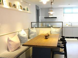 일산 백마 삼성아파트 [홈스타일링]: 모린홈의  다이닝 룸