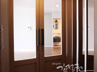한빛 아파트 모던스타일 발코니, 베란다 & 테라스 by 김정권디자이너 모던