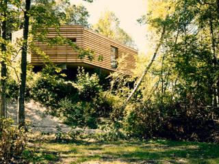 Stapelhaus | Ein Nest im Grünen.:  Häuser von HARDDECOR ARCHITEKTUR