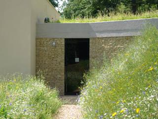 Twinneys Rumah Modern Oleh Designscape Architects Ltd Modern