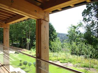 Twinneys Balkon, Beranda & Teras Modern Oleh Designscape Architects Ltd Modern
