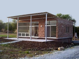 Houses by Moya-Arquitectos