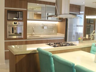 Modern kitchen by Padoveze Interiores Modern