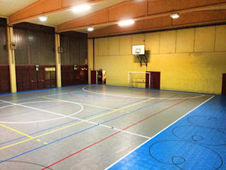 Costruire un Campo da Basket Palestra in stile moderno di Joker Floors Moderno