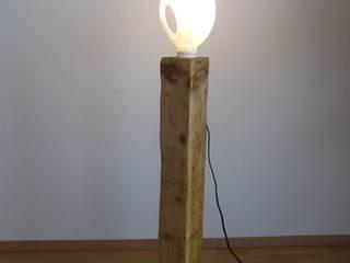 Stehlampe/Holzlampe ! Upcycling ! Ausgefallene Arbeitszimmer von Holzsteinkunstobjekte Ausgefallen