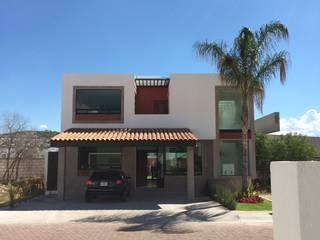 Fachada Frontal Balcones y terrazas modernos de Ambás Arquitectos Moderno