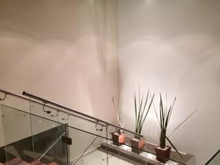 الممر والمدخل تنفيذ Ambás Arquitectos,