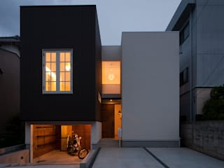 Modern houses by TTAA/ 高木達之建築設計事務所 Modern