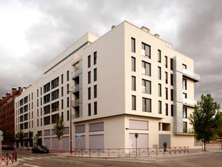 Edificio residencial en Valladolid Casas de estilo moderno de Gomendio Kindelan Moderno