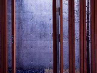 midorimachi house: 髙岡建築研究室が手掛けた家です。,モダン