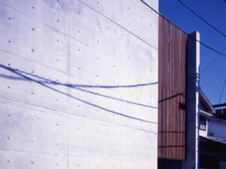 shimizumachi house: 髙岡建築研究室が手掛けた家です。,モダン