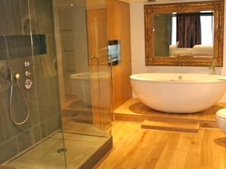 Chelsea Bathroom: modern Bathroom by Refurb It All
