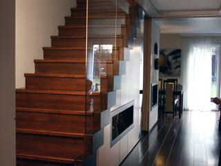 Modern corridor, hallway & stairs by ER DESIGN Modern