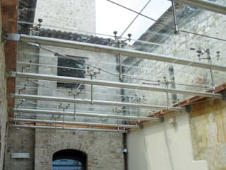 Modern houses by Glassinox Cam ve Metal Sistemleri Modern