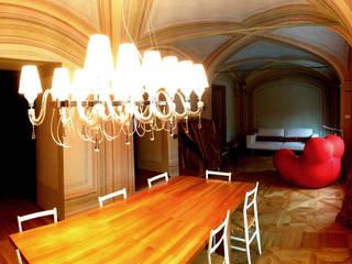 Salle à manger originale par Architetto Alboini Maria Gabriella Éclectique