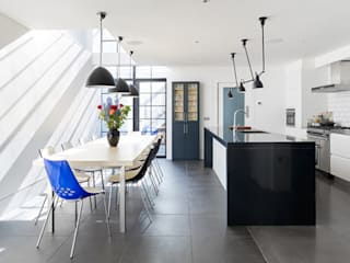 Briarwood Road:  Kitchen by Granit Architects