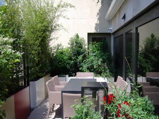 ATELIER SO GREEN Balcones y terrazas de estilo moderno