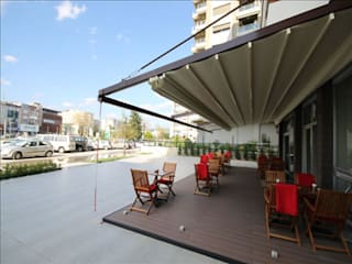 Nowoczesny balkon, taras i weranda od Pergolato SRL. Nowoczesny