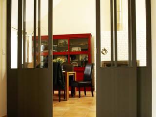 Puertas y ventanas de estilo industrial de La C.S.T Industrial
