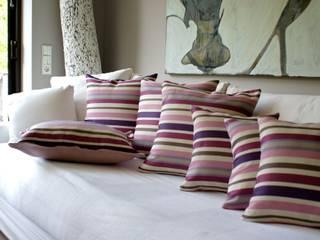 Dekokissen Violet bombshell:   von Aurata-Design