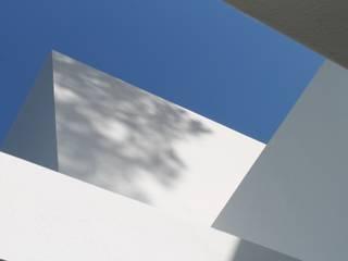 Detalle de volumetría: Casas de estilo  de TUAN&CO. arquitectura
