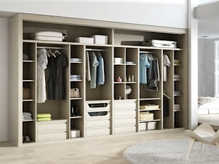 Modern dressing room by TODOMADERA ESTEPONA Modern