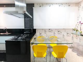 Cocinas de estilo ecléctico de Haus Brasil Arquitetura e Interiores Ecléctico