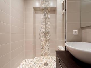 LA CUISINE DANS LE BAIN SK CONCEPT BathroomBathtubs & showers