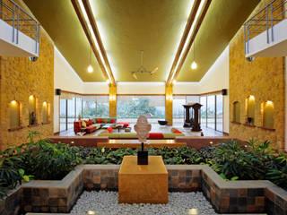 Lonavla Bungalow:  Living room by JAYESH SHAH ARCHITECTS