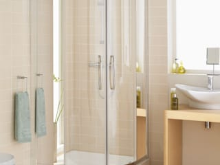 Single rail off-set quadrant:  Bathroom by Lakes Bathrooms