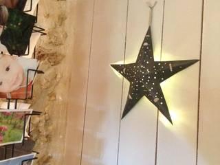 Etoile lumineuse en zinc/Allumons les étoiles!:  de style  par INTERIEUR ZINC