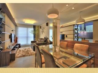 ANTES E DEPOIS - BEFORE AND AFTER : Salas de jantar modernas por Bender Arquitetura