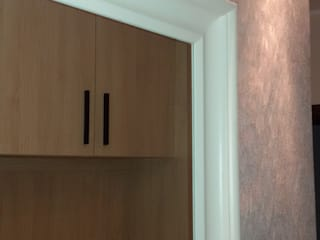 Mieszkanie pary emerytów, lifting w bloku z lat 60, dwupokojowe z ciemną kuchnią, 37m2, Sopo: styl , w kategorii Kuchnia zaprojektowany przez Studio Projektowania doMIKOart