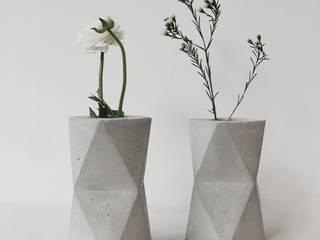 Geometric concrete Vase / Vase aus Beton:   von frauklarer